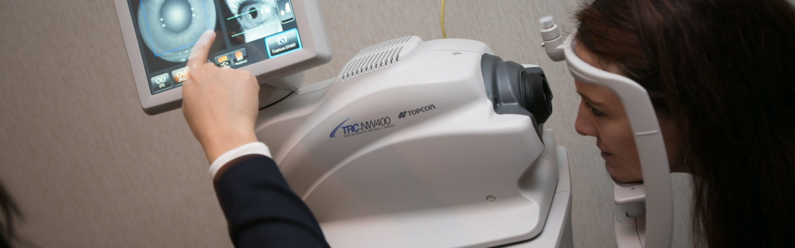 demonstration of camera for teleophthalmology